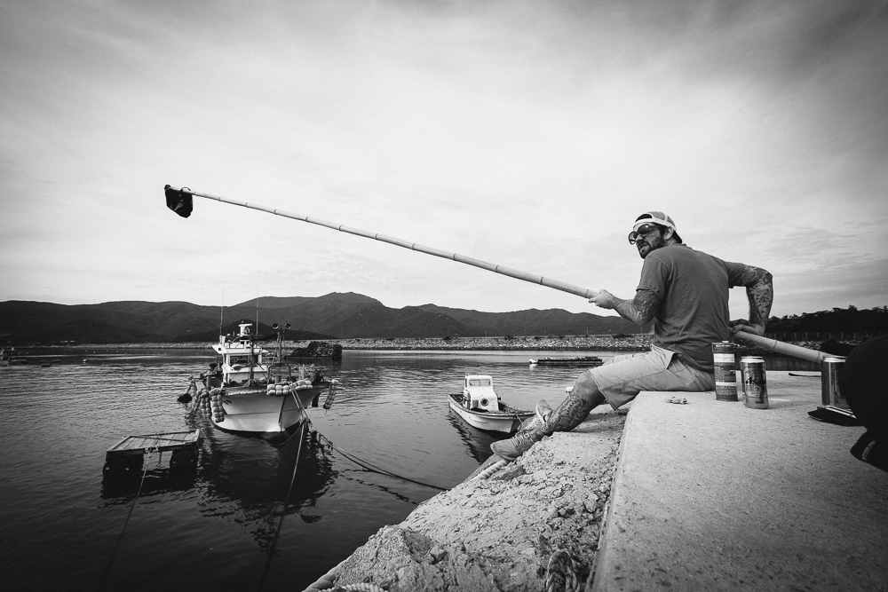 The Lens Cap Fishing Solution - Korea Photographer