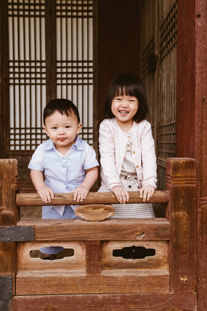 Family Photographer in Seoul Korea