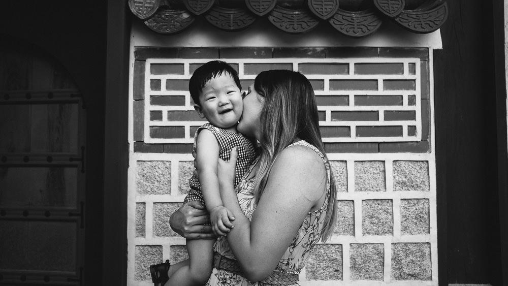 Mother and Son Family Photoshoot Seoul Korea Gyeongbokgung Black and White