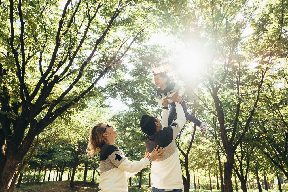 Ataalla Family - Family Photography in Seoul Forest - Morning Sunlight